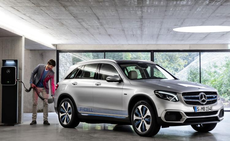 First Look: On sale by decade's end, the 2020 Mercedes-Benz GLC F-Cell bridges the gap between today and tomorrow