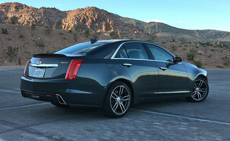 Ratings and Review: The updated 2017 Cadillac CTS is a refreshingly fun sport sedan that no one thinks about