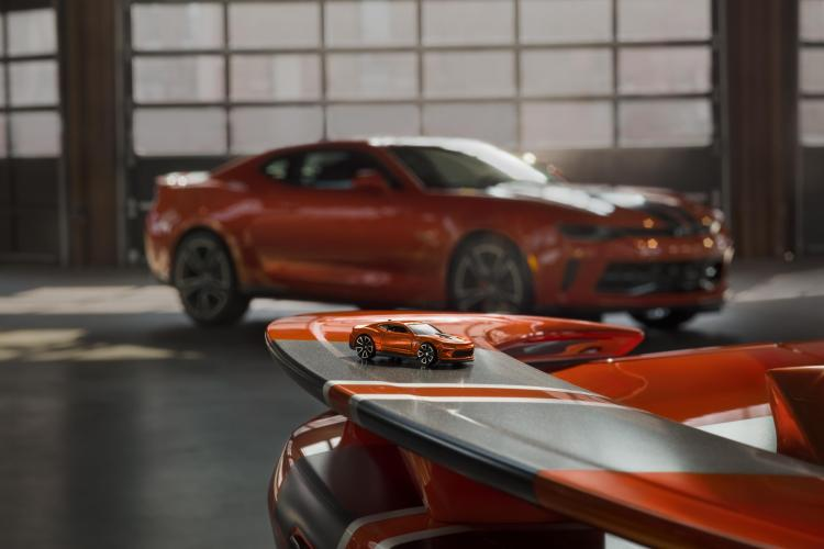 Video: Chevrolet reveals Hot Wheels 50th Anniversary Edition Camaro sports car